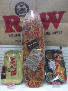 RAW skateboard cruiser